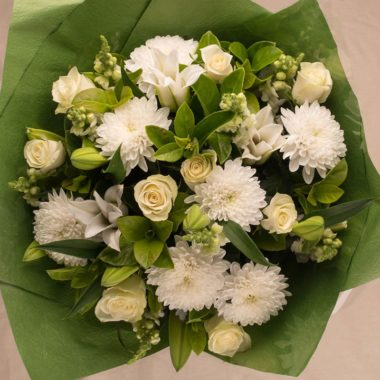 LARGE WHITE GREEN BOUQUET