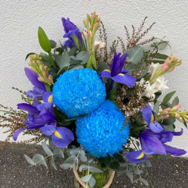 Florist Choice Flower Arrangement in a Jar Deluxe (Purple & Blue Theme)